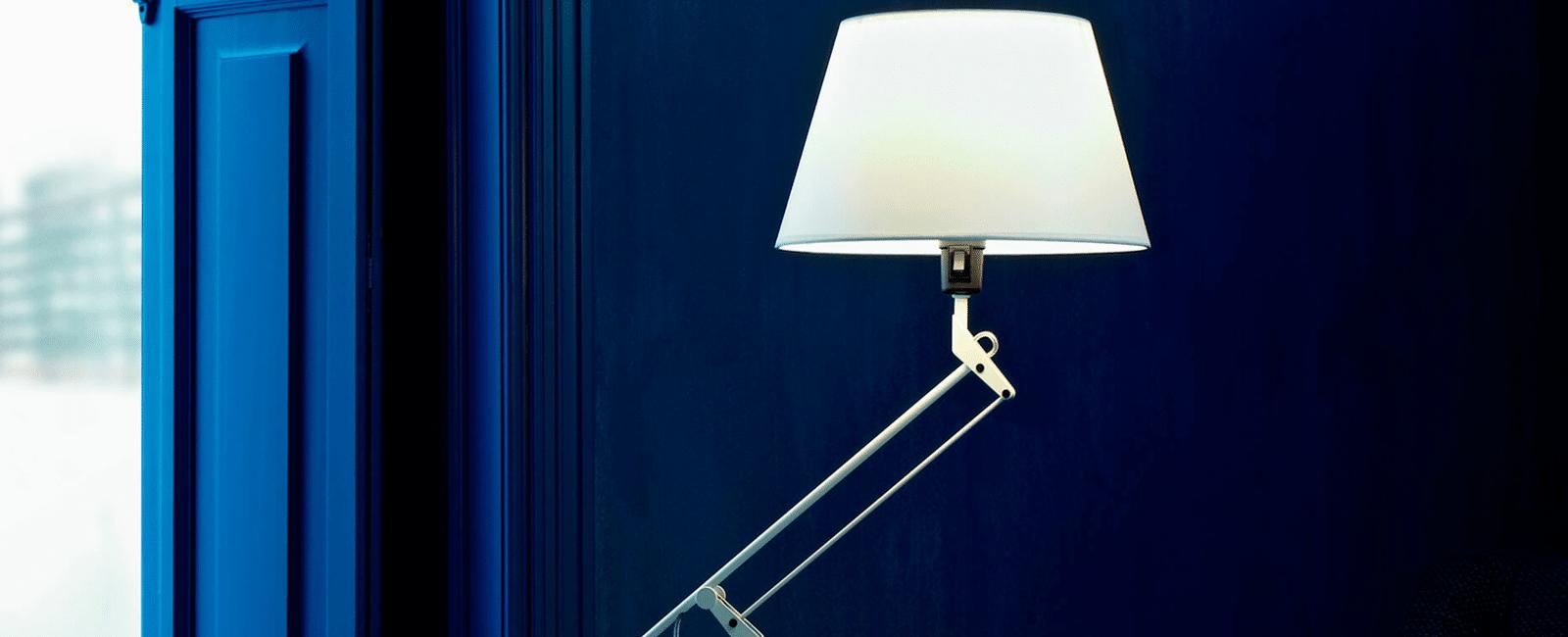 lamparas de escritorio de diseño en estudio ambiente